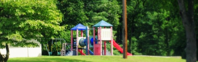 RCNS_playground2_2011-001